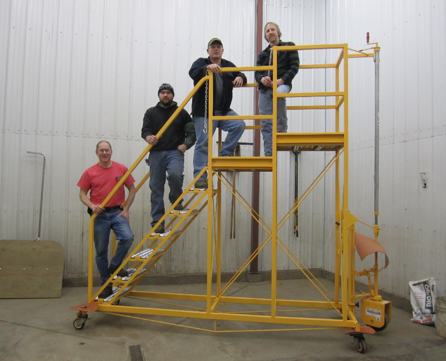BLOG-Workers on Ladder